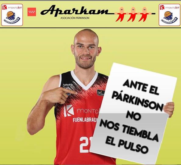 El equipo de baloncesto Montakit Fuenlabrada juega por el párkinson