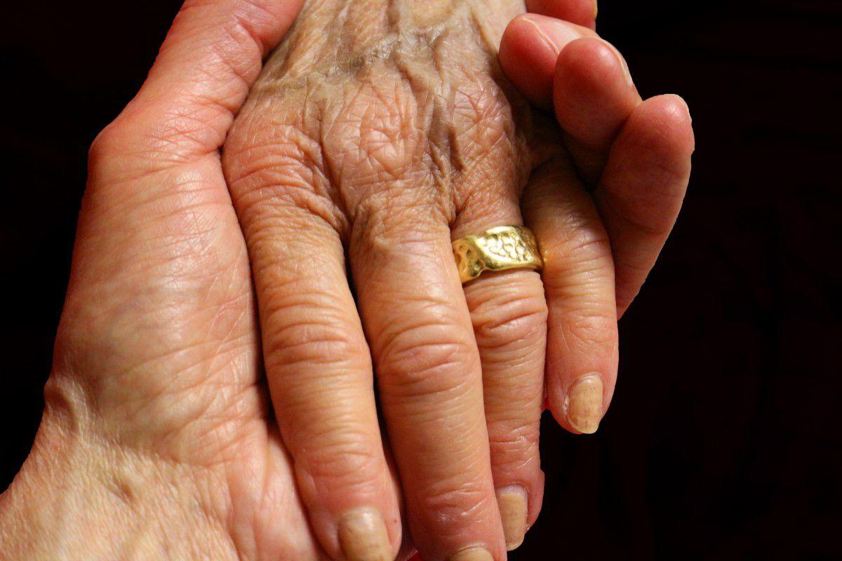 Modificación de la situación de los cuidadores no profesionales en la ley de dependencia